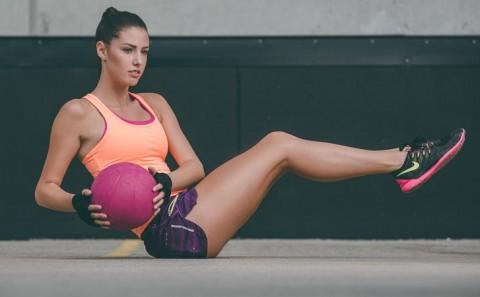 Medicine ball twists | Womens Fitness