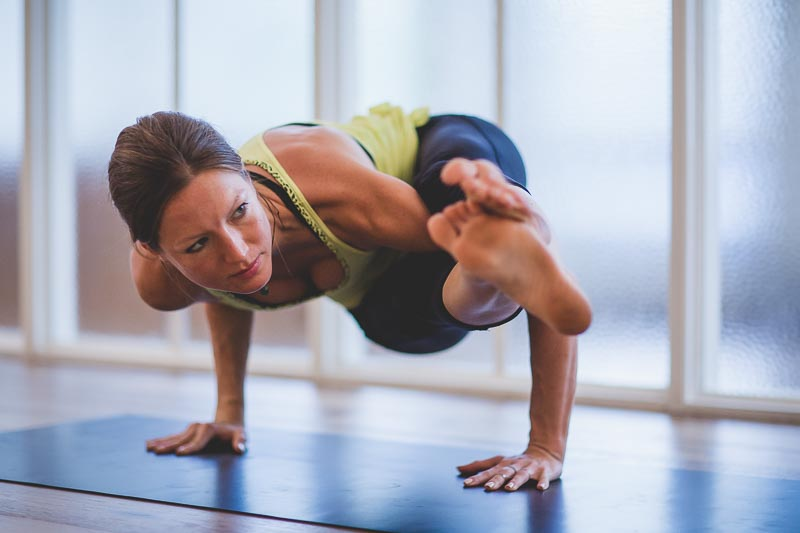 Fitness Photography Tips | Yoga Photograph Astavakrasana | Photo Proventure
